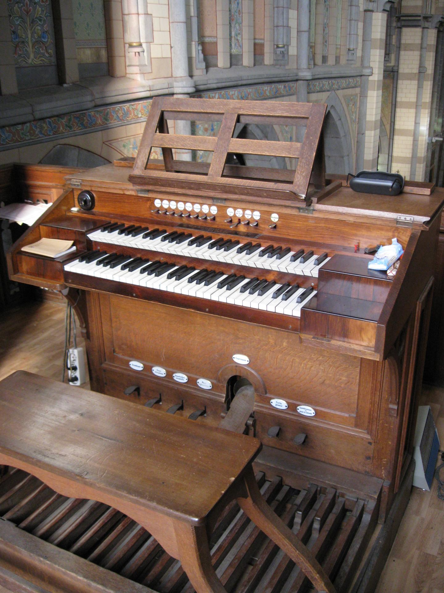Console de l'orgue
