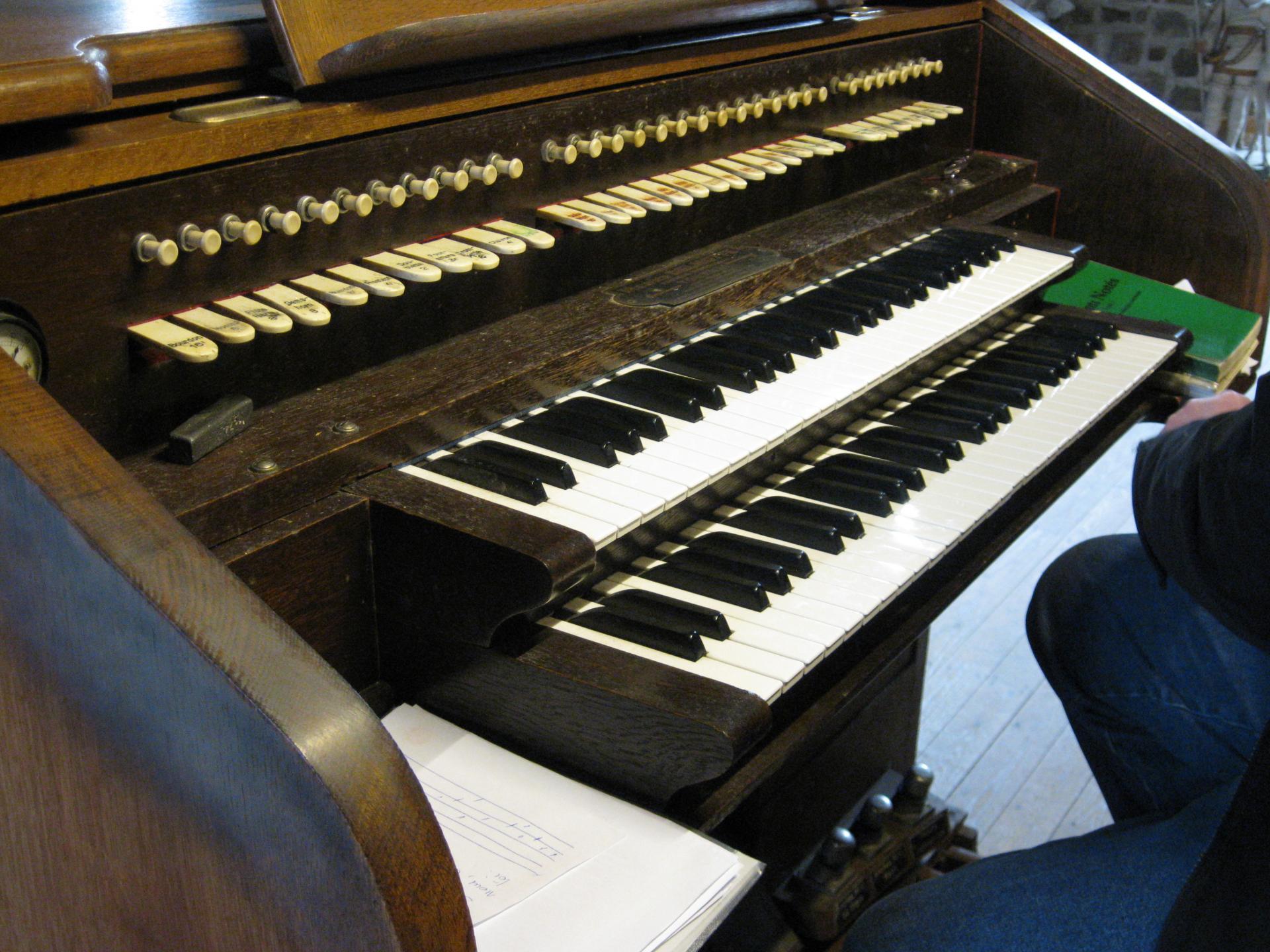 La console de l'orgue